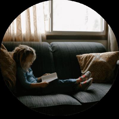 kid-on-sofa