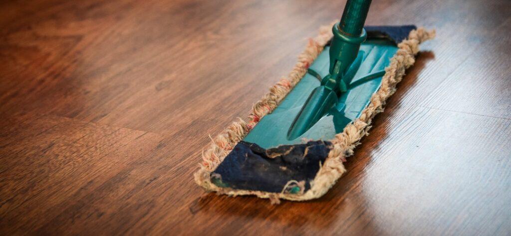 broom cleaner